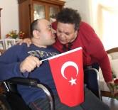 OKSIJEN - Engelli Oğluna 44 Yıldır Bakıyor