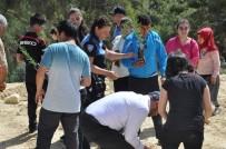 TOPLUM DESTEKLI POLISLIK - Engelli Öğrenciler Fidan Dikti