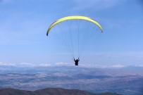 Festivalde, Bisiklet Yarışları Ve Yamaç Paraşütü Renkli Görüntüler Oluşturdu