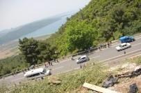 YOLCU MİDİBÜSÜ - Muğla'da Yolcu Midibüsü Uçuruma Yuvarlandı Açıklaması 17 Ölü, 13 Yaralı
