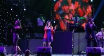 MUSTAFA ASLAN - Üniversite Öğrencileri, Sunshine Band Gurubu İle Coştu