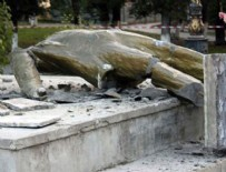ÇERNOBİL - Bir o kalmıştı! O da yıkıldı