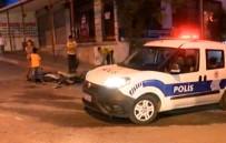 POMPALI TÜFEK - İstanbul'da Polis Şüpheli Kovalamacası Açıklaması 2 Yaralı