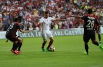 AHMET ÇALıK - Sneijder Aslanı İpten Aldı