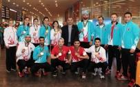 ESAT DELIHASAN - 11 Madalyayla Döndüler