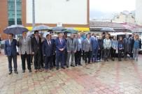 SAĞANAK YAĞMUR - Artvin'de Gençlik Yürüyüşüne Yağmur Engeli