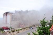 Beş Yıldızlı Otelde Yangın Açıklaması Müşteriler Tahliye Edildi