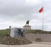 Büyük Taarruz'un Başladığı Yere Şehitlik Anıtı