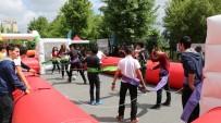 KÜÇÜKÇEKMECE BELEDİYESİ - Gençlik Ve Spor Şenlikleri, Öğrencileri Sınav Stresinden Uzaklaştırıyor