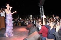 Karaman'da Üniversiteli Gençler Derya Uluğ İle Coştu