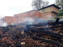 RECEP TOPALOĞLU - Kastamonu'da Yangın Açıklaması 5 Ev, 4 Ahır Ve 1 Samanlık Kül Oldu