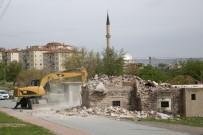 GECEKONDU - Kazımkarabekir'de Mahalle Halkı Geri Dönüşüm İçin Evlerini Kendileri Yıkıyor