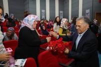 YILIN ANNESİ - Melikgazi Belediyesinden Kursiyer Annelerine Karanfilli Kutlama