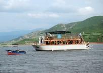 GEZİ TEKNESİ - Denizi Olmayan Şehirde Tekne Keyfi