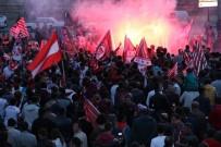AŞIK VEYSEL - Sivasspor'a Coşkulu Karşılama