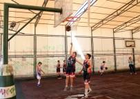 BEDEN EĞİTİMİ ÖĞRETMENİ - Taş Sahalarda Başladılar, Şimdi Türkiye Finallerine Gidiyorlar