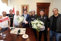 İZZETTIN KÜÇÜK - Vali Küçük, Beşiktaş Tribün Liderlerini Ağırladı