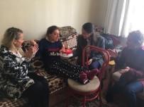MUTLU YAŞAM - Ak Kadınlardan Engelli Kız Kardeşlere Doğum Günü Sürprizi