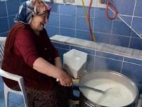 KADIN GİRİŞİMCİ - Asırlık dondurmanın 65 yıllık ustası Fatma nine