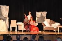 'Ayçiçekleri Açarken Tiyatro Günleri' Başladı