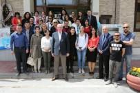 KAZıM KURT - Başkan Kurt Gazetecilerle Halk Merkezinde Buluştu