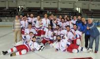 KAHRAMAN POLİS - Buzda Şampiyon İzmir Büyükşehir