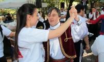 ÇOCUK KOROSU - Ç'engel Kafe Halk Dansları Topluluğu'ndan Anlamlı Performans