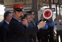 TOPLUM DESTEKLI POLISLIK - Emniyet Müdürü Ak, Çocuklar İçin Hareket Memuru Oldu