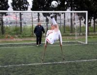 ALI AKYÜZ - Engelliler İle Kadınların Maçında Kazanan Dostluk Oldu