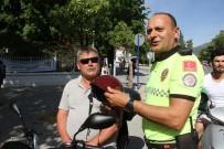EMNIYET KEMERI - Fethiye'de Polisler Motosiklet Sürücülerine Kask Hediye Etti