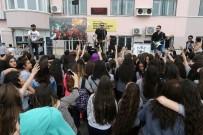 VECDI GÖNÜL - Konak'ta Bayram Sevincini Erken Yaşadılar