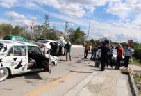 Park Halinde Ki Araca Çarptı Açıklaması 3 Yaralı
