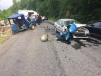 İLK MÜDAHALE - Patpat İle Otomobil Kafa Kafaya Çarpıştı