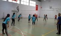 VOLEYBOL ŞAMPİYONASI - Selendi'de Futbol Ve Voleybol Şampiyonası