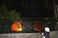 BENZIN - Adana'da Müstakil Ev Benzin Dökülerek Ateşe Verildi