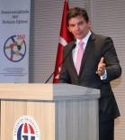 KALENDER - Avustralya Büyükelçisi Larsen'den Üniversite Yönetimine Alkışlı Teşekkür