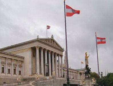 Avusturya Kur'an-ı Kerim dağıtılmasını yasakladı