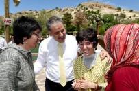 ENGELLİ VATANDAŞ - Başkan Çakır, Engellilerle Piknikte Buluştu