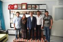 MEHMET TAHMAZOĞLU - Başkan Mehmet Tahmazoğlu'ndan Şehit Annelerini Evlerinde Ziyaret Etti