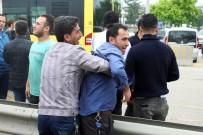 POLİS MÜDÜRÜ - Bursa'da Ölümlü Kaza Sonrası Ortalık Karıştı, Polis Havaya Ateş Etmek Zorunda Kaldı