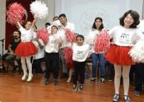 DANS GÖSTERİSİ - Engeliler, Birlikteyiz Projesi'nin Etkinliğinde Gönüllerince Eğlendiler