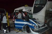 KıRıM - İterek Çalıştırmak İstediği Minibüsle Otobüsün Altına Girdi Açıklaması 1 Yaralı