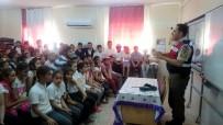 TRAFİK EĞİTİMİ - Jandarmadan Erdemli'de 5 Bin Kişiye Trafik Eğitimi