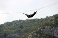 DÜNYA REKORU - Kanyonda 200 Metre Yüksekte İp Üstünde Dünya Rekoru Denemesi