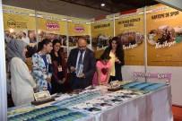 KITAP FUARı - Kartepe Belediyesi Kitap Fuarını Renklendirdi