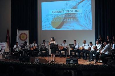 Öğrencilerden 'Türk Halk Müziği' Konseri