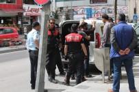 Polislerden 'Huzurlu Sokaklar' Uygulaması
