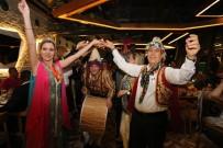 KıNA GECESI - Romanya'dan Gelen Belediye Başkanına Kına Gecesi
