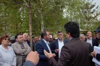 OTOPARK SORUNU - Ağaç Sökümüne Tepki Gösteren CHP'liler Oturma Eylemi Başlattı