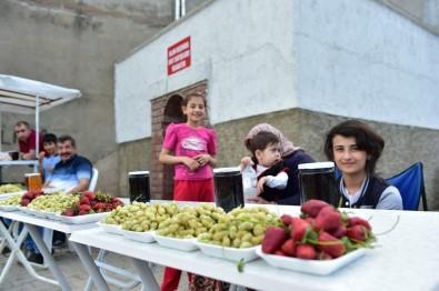 Dulkadiroğlu Belediyesi'nden 'Dut Satış Noktası'